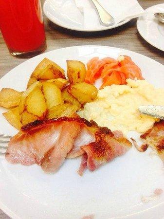 Radisson Blu Edwardian Grafton Hotel : завтрак