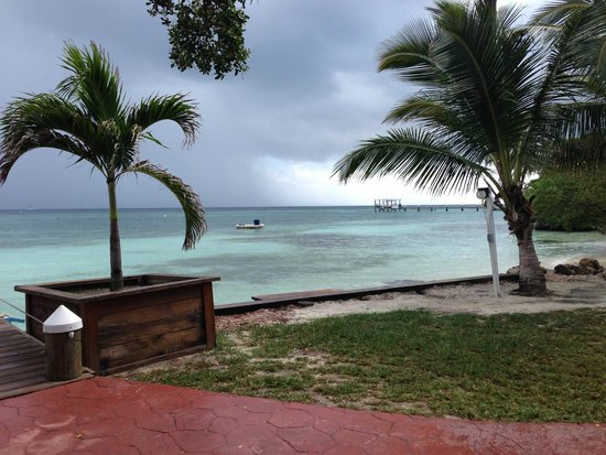 Hatchet Caye Resort: Visit Glover Reef