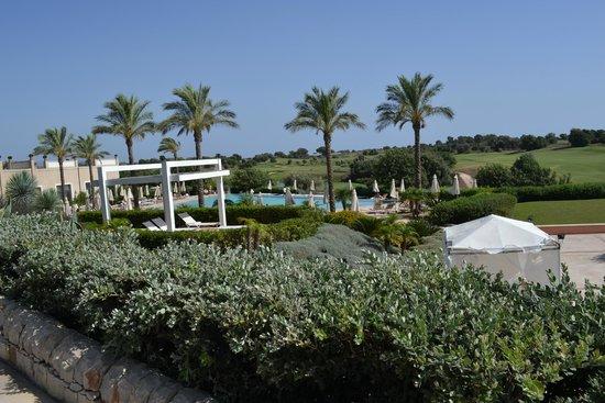 Donnafugata Golf Resort & Spa: Vista della piscina