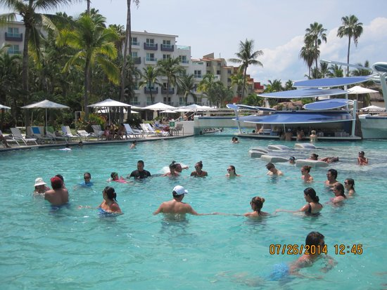 Hard Rock Hotel Vallarta: Water aerobics