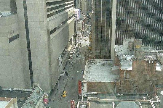 Row NYC Hotel: vista da Times Square em um dia de neve