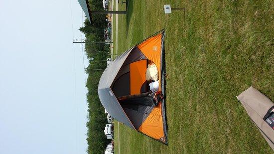 Campers City RV Resort: tent