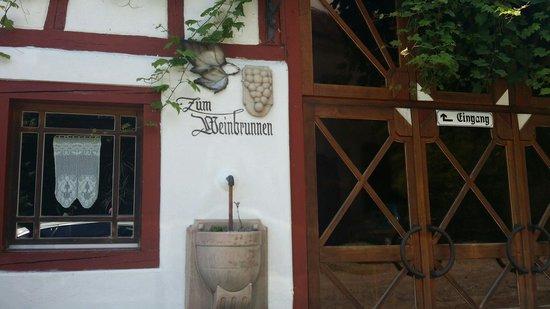 Zum Weinbrunnen