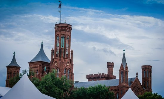 National Mall (The Mall): Smithsonian Building at National Mall