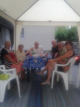 Provence Camping : on se fait des amis