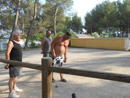 Provence Camping : on peut jouer aux boules tous les jours