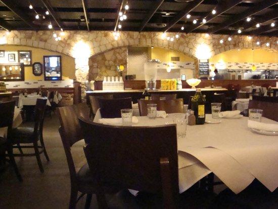 Romano S Macaroni Grill Inside Dining