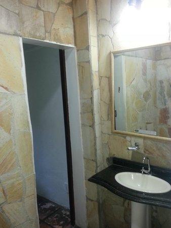 Casa da Pedra : banheiro em pedra