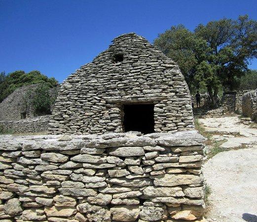Village des Bories : ogni capanna oltre a quella abitativa  aveva diverse funzioni