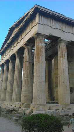 Temple of Hephaestus: A very beautiful preserved monument that overlooks the city of Greece for a fantastic view.