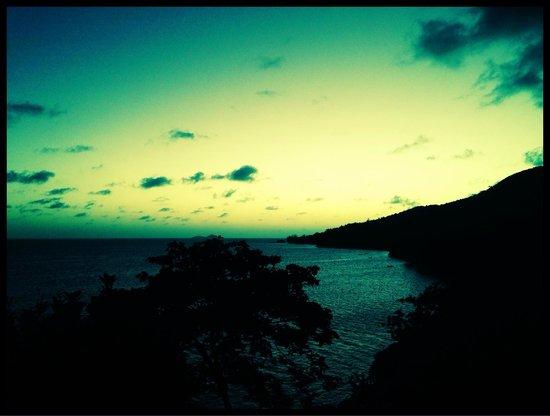Coco de Mer - Black Parrot Suites : Beautiful sunset @ black parrot suites