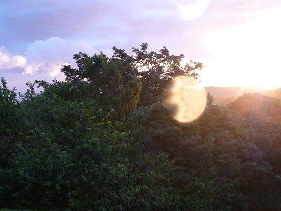 El Establo: Puesta de Sol