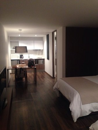 Sites 45 Hotel: Kitchenette and double bed room 5F
