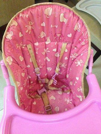 Perdikia Hill: Mama Sandalyesi (Pislik içinde)