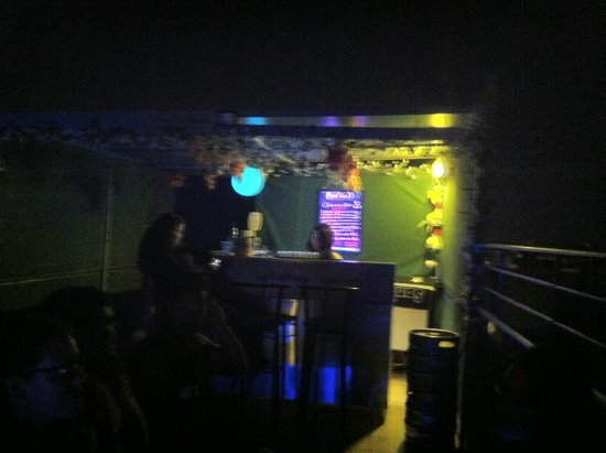 Athens Backpackers: Roof Top Bar