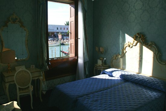 Hotel Carlton on the Grand Canal : Room with a view of the Grand Canal