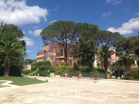 Relais Villa San Martino: Reception and restaurant