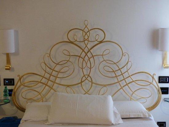 Ripetta Palace : Bed Head