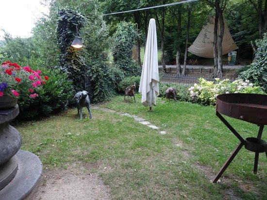 La Subida: Courtyard