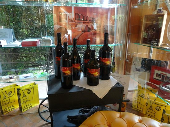 La Subida: Try and take home their vinegar, so delicious!
