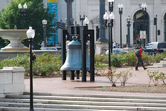 Union Station: Replica of Independence Bell (Original one is at Philadelphia)