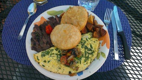 Las Vistas Cafe at Siete Mares Bay Inn: Steak and eggs!