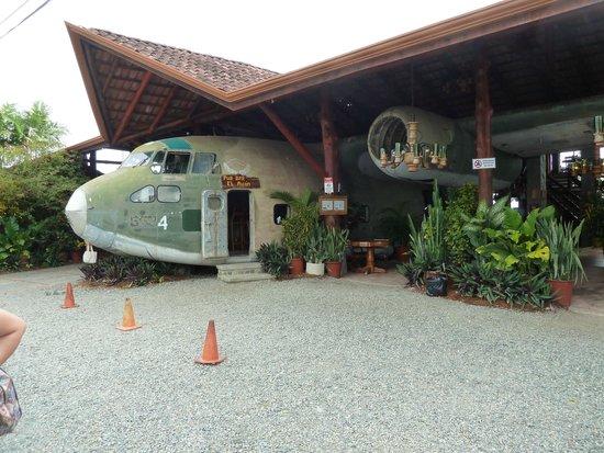 Falls Resort at Manuel Antonio: Restaurante el Avion