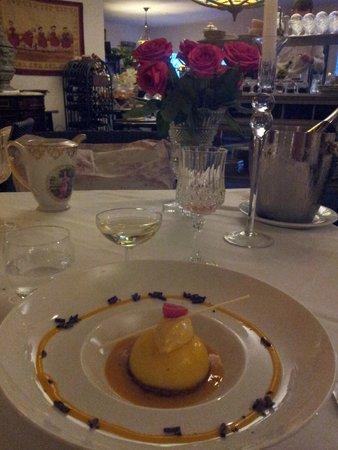 L'Atelier du Vigneron: Et le dessert accompagné d'une coupette offerte..