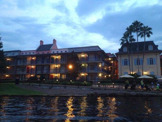 Disney's Port Orleans Resort - French Quarter : building