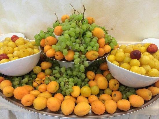 Frutta - Foto di Hotel Ambasciatori, Cattolica - TripAdvisor