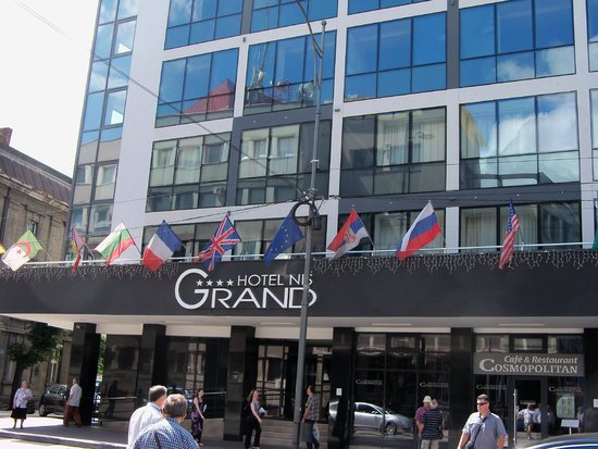Grand Hotel Nis : Front Entrance