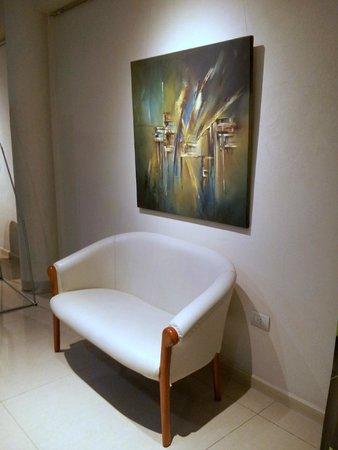 Quorum Córdoba Hotel: Pasillo, descanso ... star