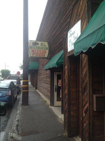 El Michuacan Restaurant: Front Entrance