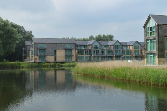 De Vere Cotswold Water Park: The apartments