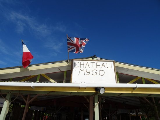 Chateau Mygo House of Seafood: Sign