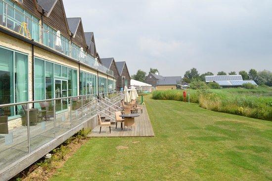De Vere Cotswold Water Park: Hotel restaurant