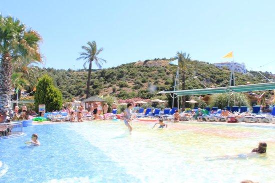 Aqua Fantasy Aquapark Hotel & SPA: Наш любимый бассейн.