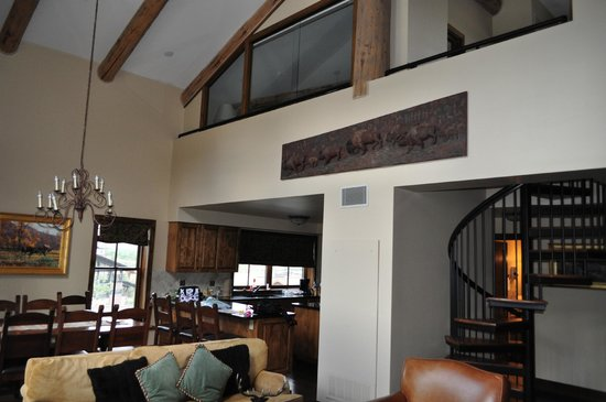 Teton Mountain Lodge & Spa - A Noble House Resort : Living room, Dining room, Kitchen, and Loft