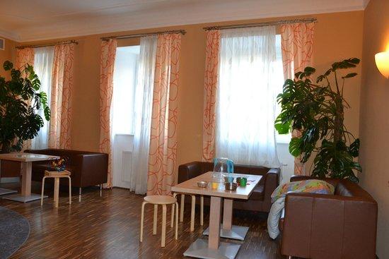 JUFA Hotel Wien City: part of loby