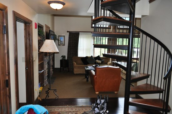 Teton Mountain Lodge & Spa - A Noble House Resort : Entry and Sprial Stairs