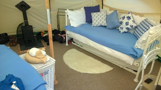 Lowarth Glamping: Blue Bell Tent day bed