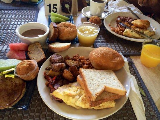 Coco Palm Resort: Le petit déjeuner (une TUERIE) !!!!