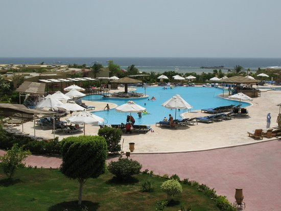 Three Corners Fayrouz Plaza Beach Resort : piscine principale