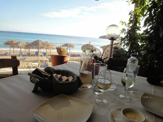 Delfini Taverna : View from the first row tables