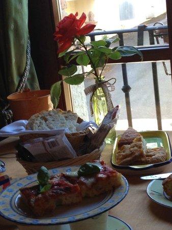 Hotel Vecchio Asilo: Breakfast for starters