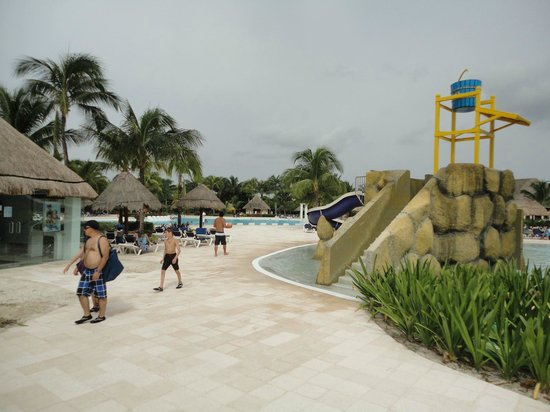 Grand Palladium Kantenah Resort and Spa: parqe