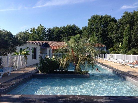 Le jaccuzi photo de camping le marache biganos for Camping belgique avec piscine