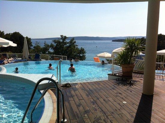 Valamar Koralj Romantic Hotel : vista da vasca idromassaggio