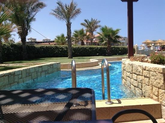 Atlantica Sensatori Resort Crete: our swim up room. excellent!