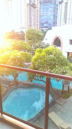 Prima Villa Hotel: вид и бунгало на бассеин